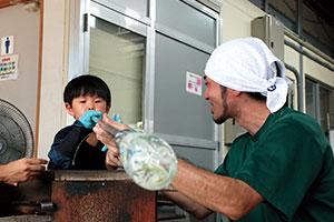 3歳からできる琉球ガラス体験