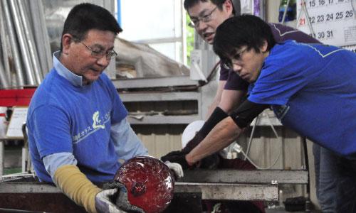 琉球ガラス匠工房代表
